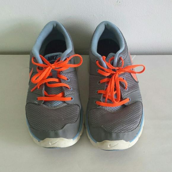 4b35b3ebfc52 Nike Shoes - Ladies nike flex experience running shoes sz 12